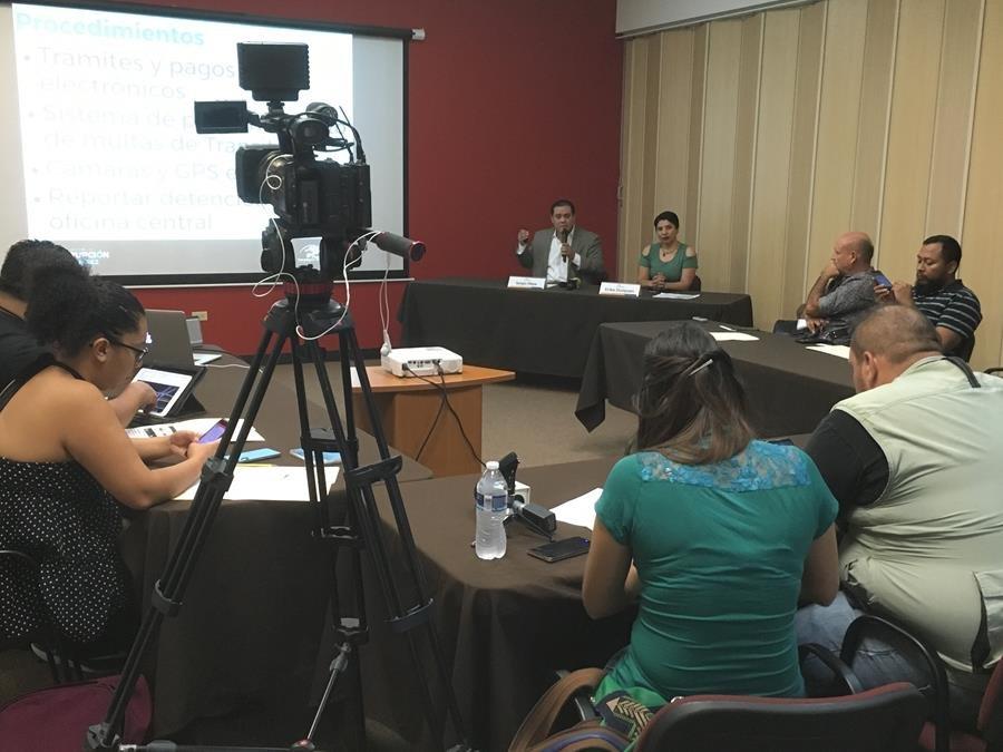 Rueda de Prensa Informe de Corrupción en Juárez 21